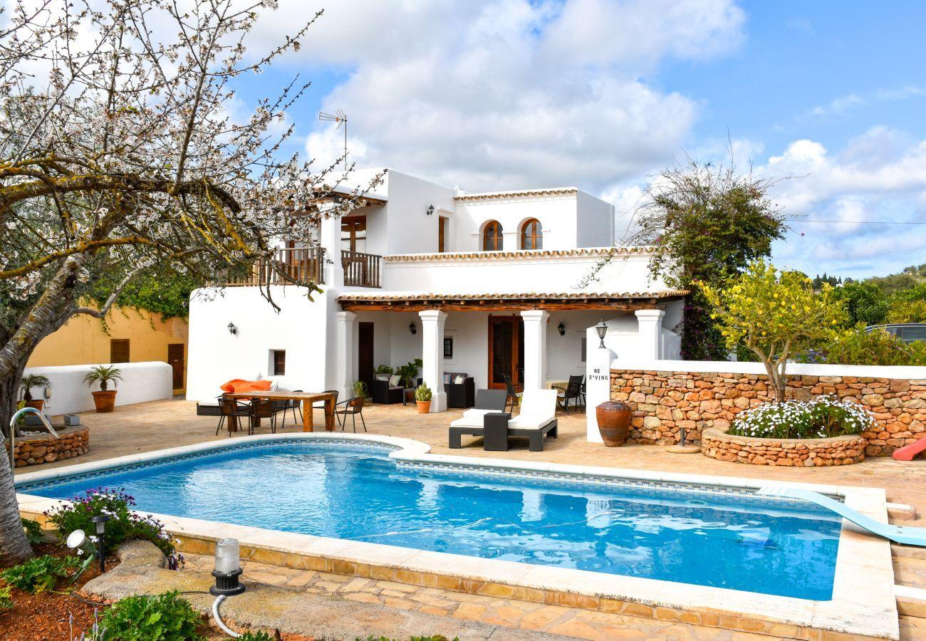 Casa rural en San Carlos/ Sant Carles de Peralta - CASA LAS DALIAS