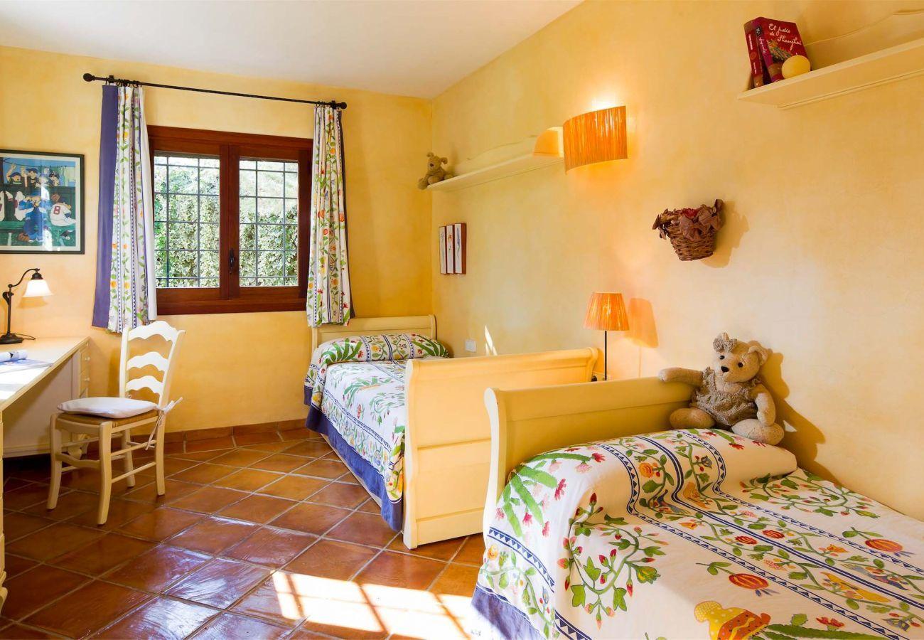 Casa rural en Santa Eulalia del Río - VILLA RURAL