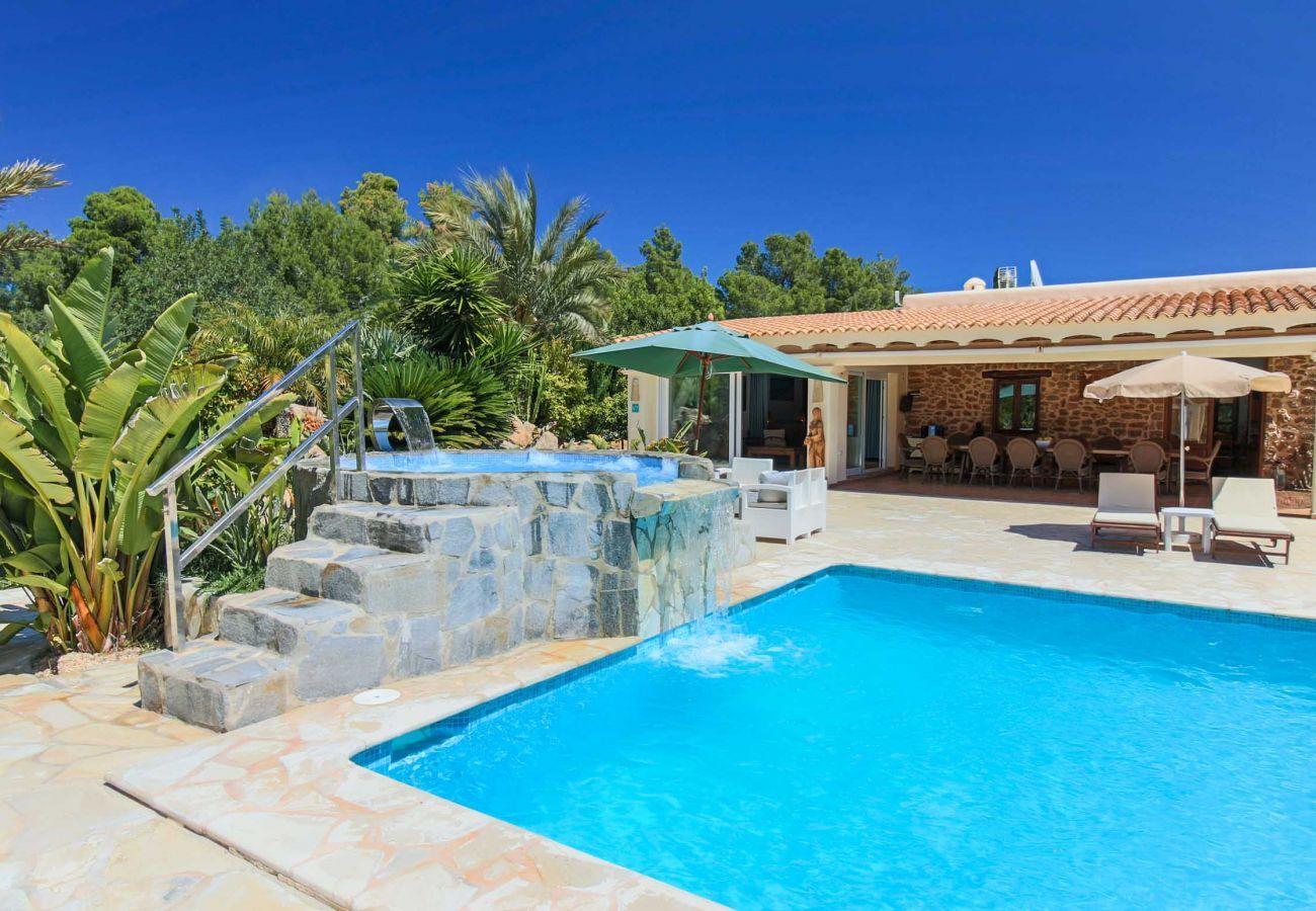 Villa en Santa Eulalia del Río - CASA CAMA