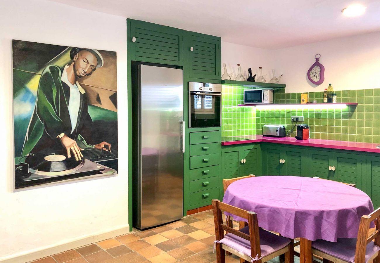 Casa rural en Santa Eulalia del Río - CAN ARTIST